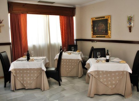 Enjoy rich restaurant kitchen at an affordable price